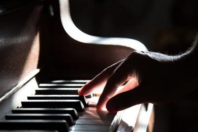 8.實用的流行鋼琴伴奏法 - 進階的和弦進行