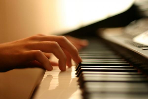 5.實用的流行鋼琴伴奏法 - 分散和弦進行